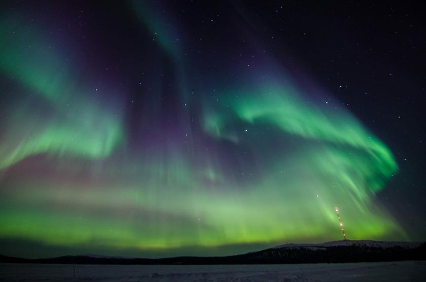 northern-lights-2812374_1920.jpg